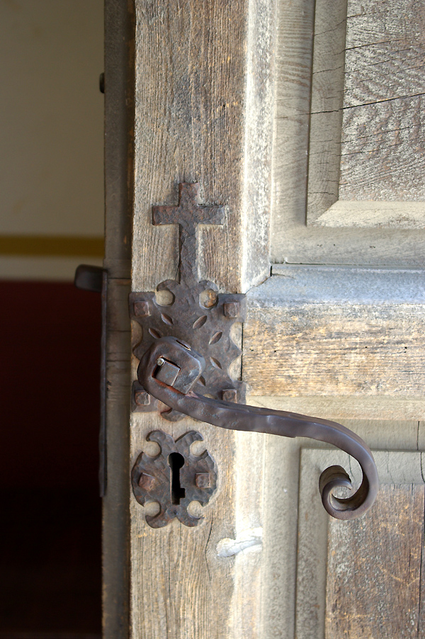 DOOR WITH CROSS
